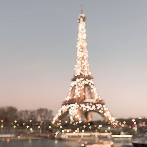 c15bb630ba0733c7685d578f83d7bd4d--eiffel-tower-lights-eiffel-towers